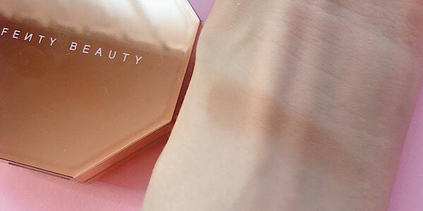 フェンティビューティー(Fenty Beauty )のブロンザーShady Bizの色