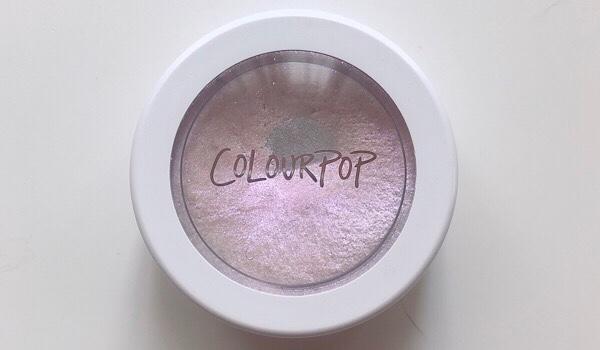 Colourpop(カラーポップ)のハイライトOver the moon