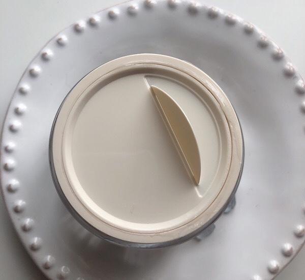 Aveenoの敏感肌向けCalm+Restore OATのクレンザーが超絶良い!クリームも一緒にレビュー